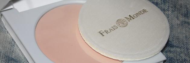 Компактна пудра Frais Monde Make Up Naturale Cipria Powder
