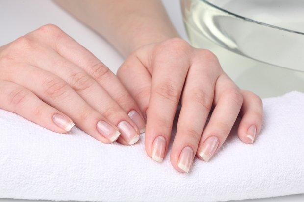 Захисне покриття додасть нігтям блиску