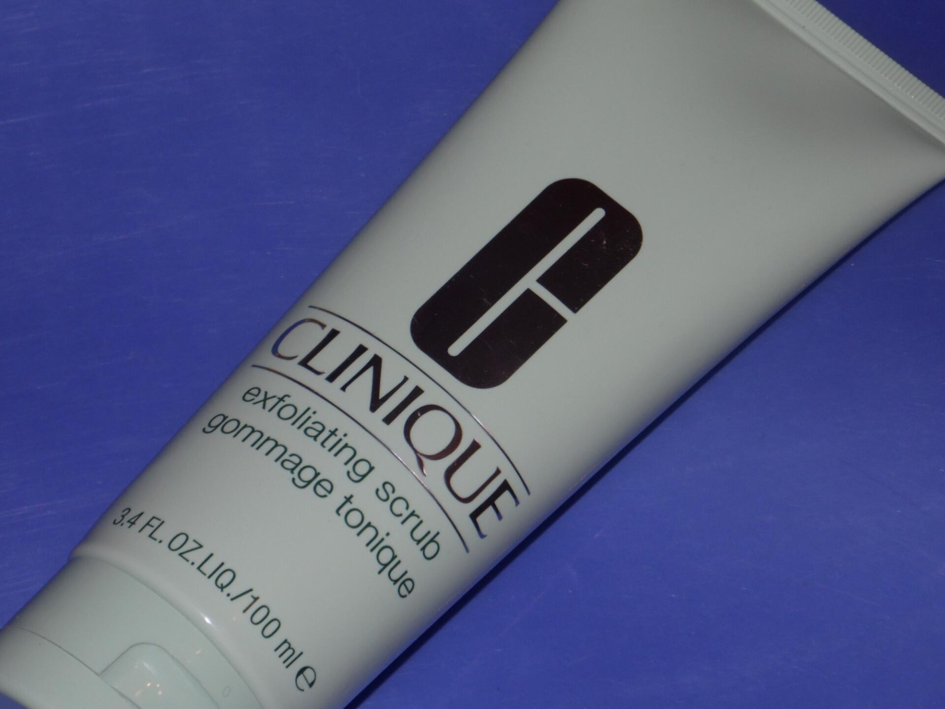 Скраб для обличчя Clinique Exfoliating Scrub