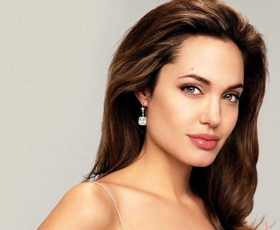 Анджеліна Джолі, http://goo.gl/ZxbB5K