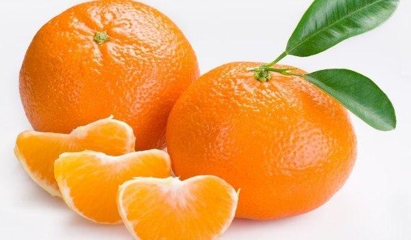 помаранчеві мандарини